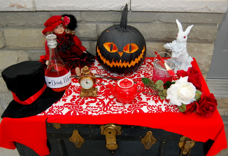 Alice in Wonderland Vignette Halloween