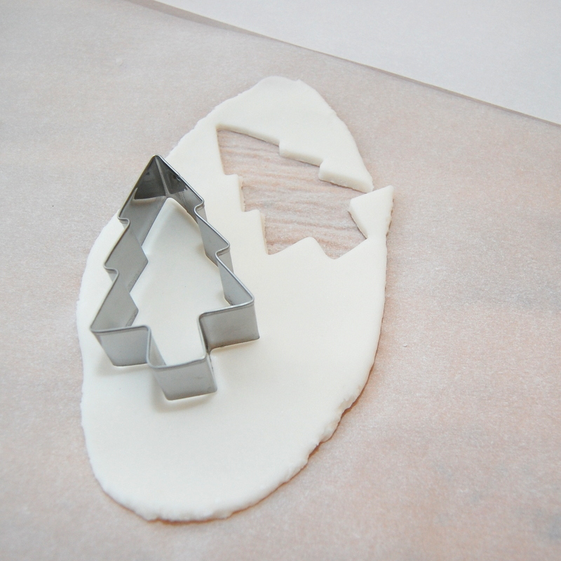 Making Baking Soda Dough Ornaments