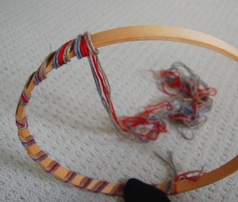 Making an embroidery hoop wreath (3)