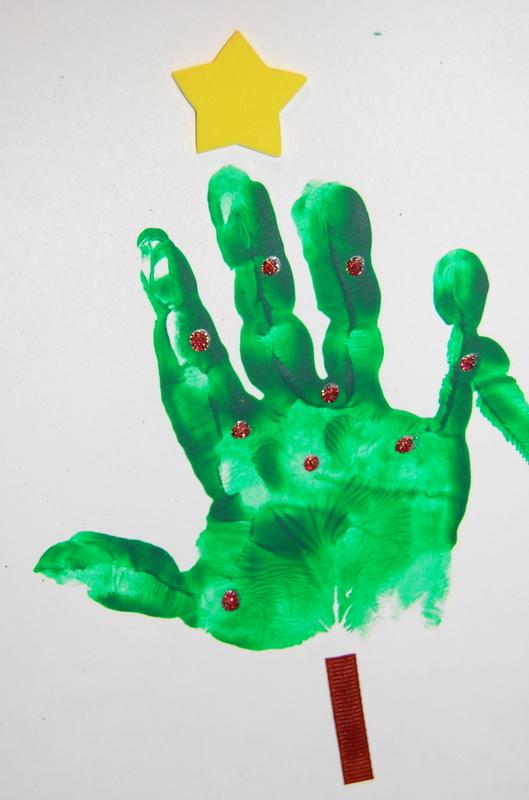 Kids Christmas Card Craft - handprint - northstory.ca