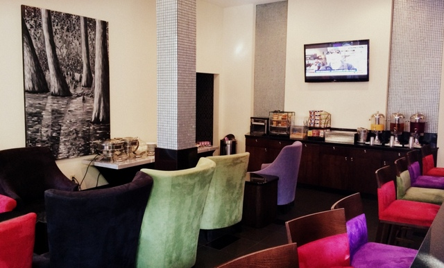 Breakfast and Bar at Hotel Le Marais in the French Quarter New Orleans - northstory.ca