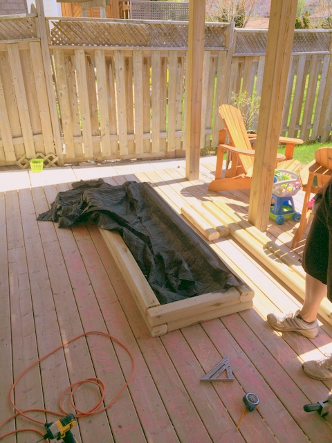 Buidling an easy garden bed - northstory.ca