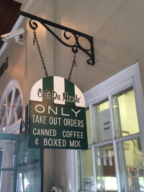 Cafe Du Monde Take Out window French Quarter New Orleans - northstory.ca