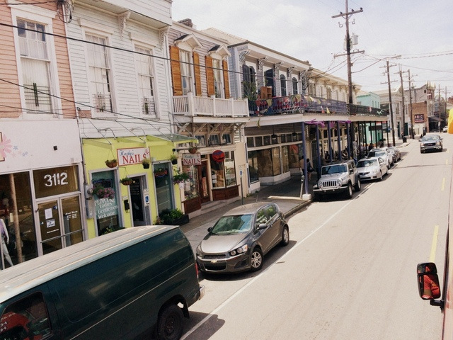 Driving down agazine street in New Orleans - northstory.ca