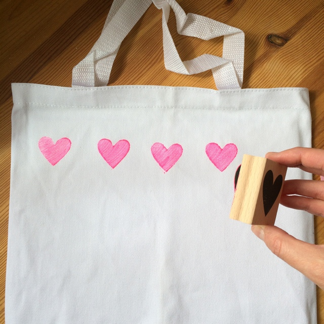 Stamping a canvas tote bag - northstory.ca