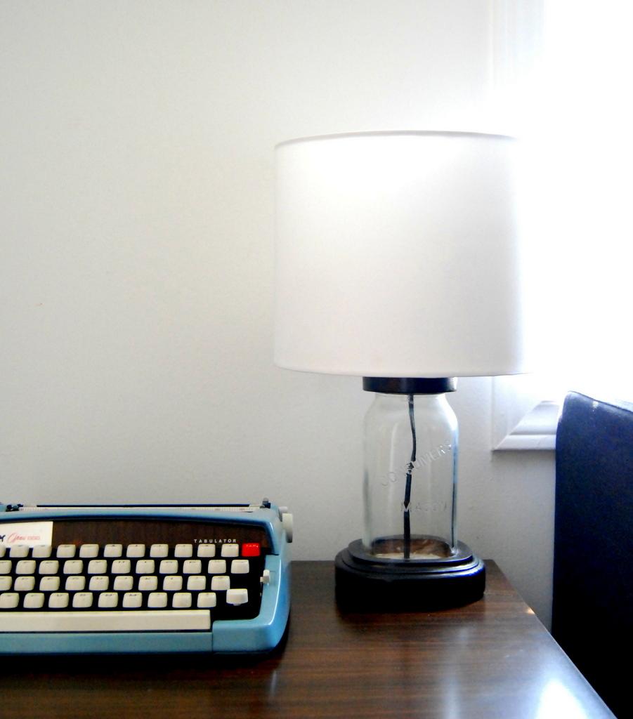Upcycled Mason Jar Lamp - northstory.ca