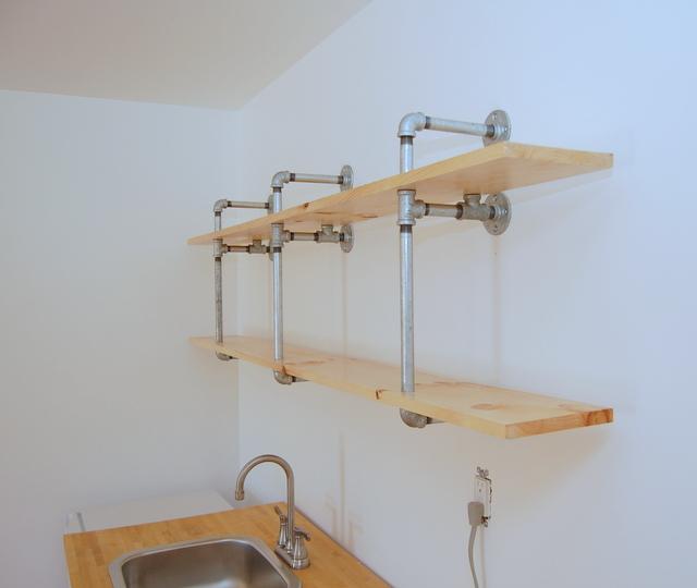 Building Pipe Shelves Step 4 - northstory.ca