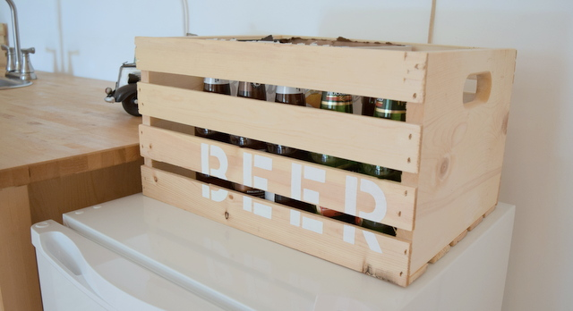 DIY stenciled beer crate - northstory.ca