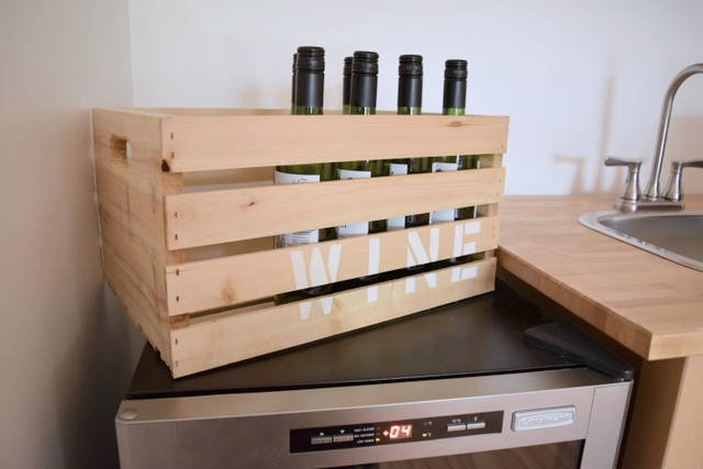 DIY stenciled wine crate - northstory.ca
