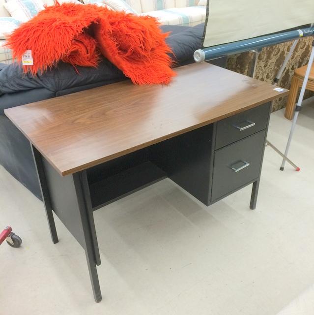Thrift Store Metal Desk Before - northstory.ca