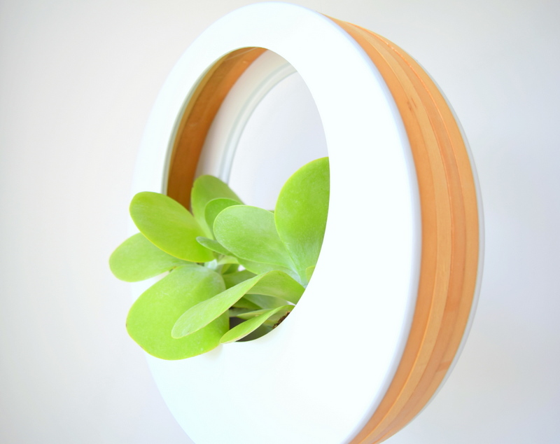 White and wood planter - northstory.ca
