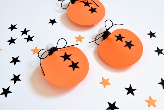 Non-Candy Halloween Treat Glow Stick Pumpkins - northstory