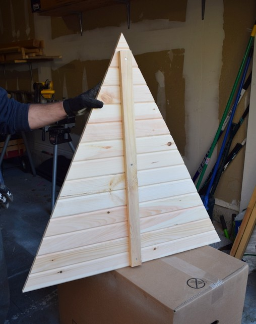 Building a wooden Christmas tree - northstory
