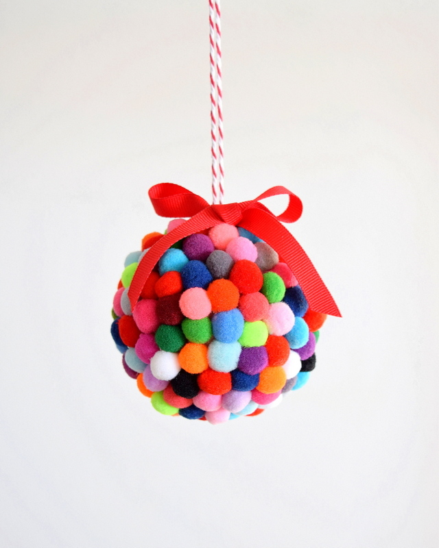 DIY Pom Pom Ornament - northstory