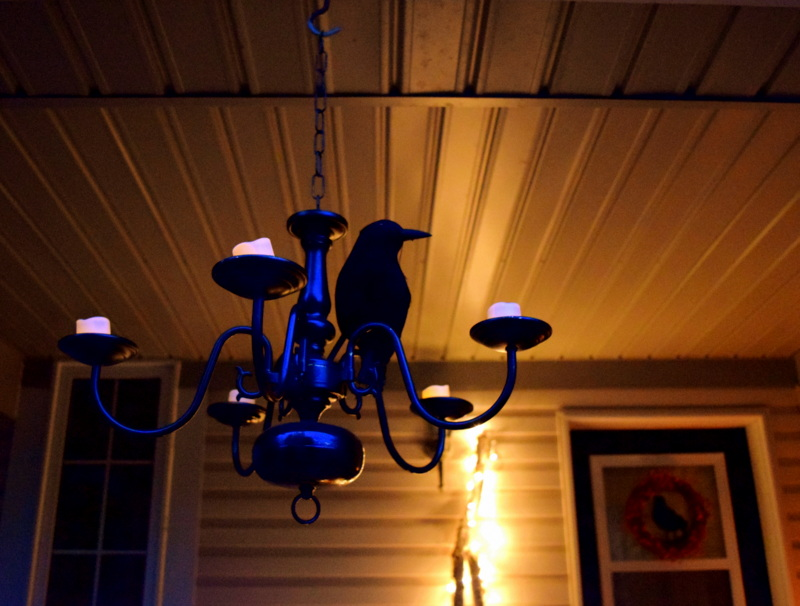 Halloween Chandelier with a crow - northstory