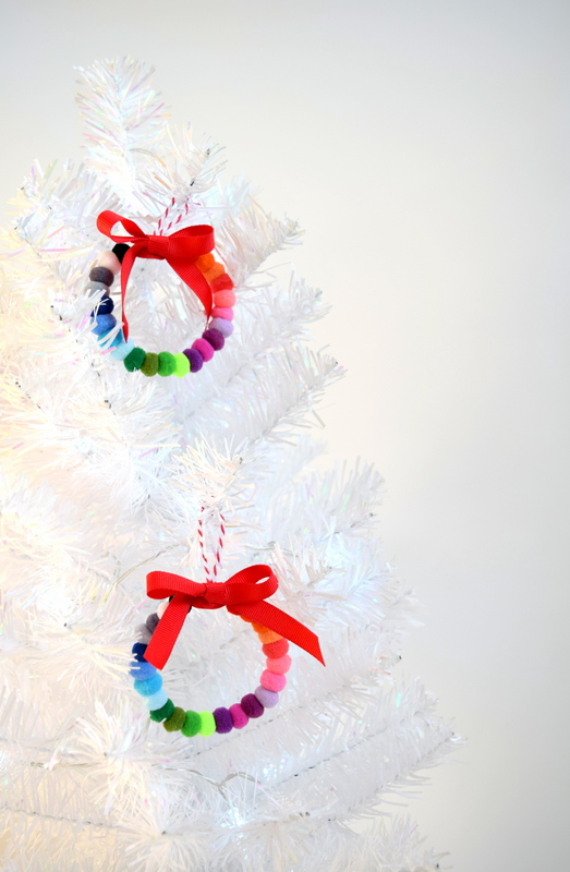 Pom Pom wreath ornaments - northstory