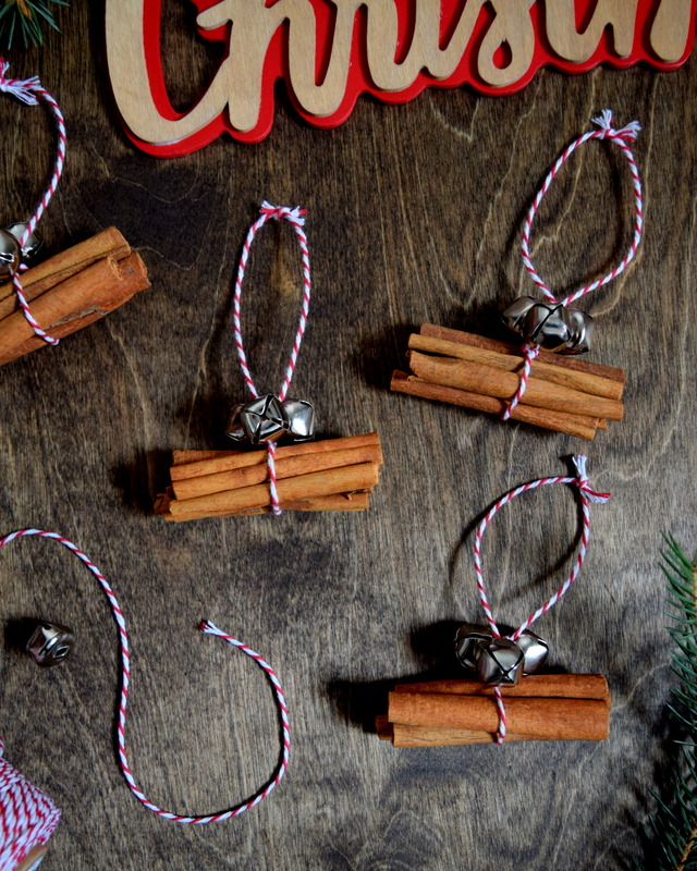 DIY Cinnamon Stick Ornaments - Gift Toppers - northstory
