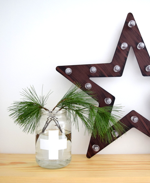Simple and Natural, White and Wood Christmas Decor - northstory