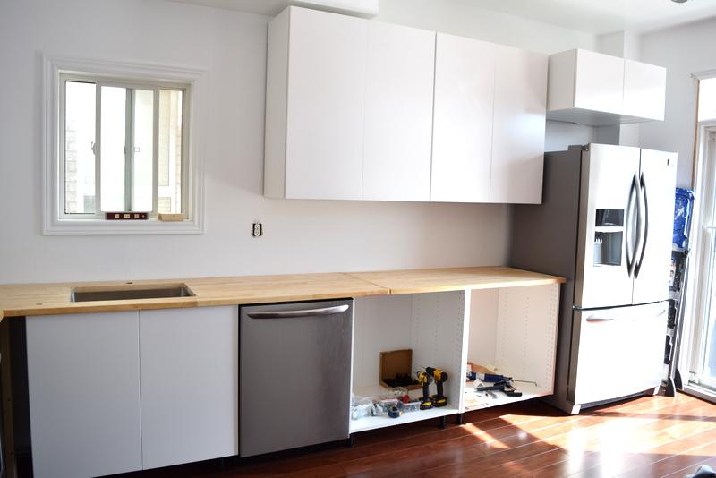 Installing the IKEA butcher block countertops (2)