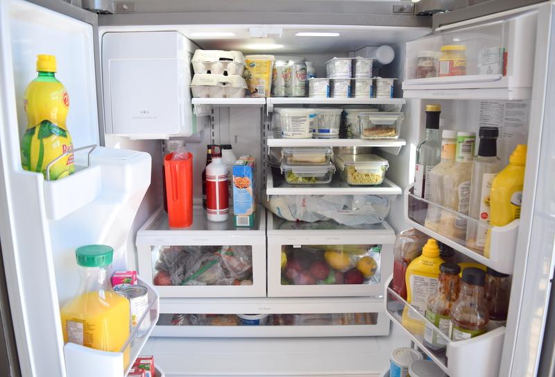 Frigidaire Gallery Refrigerator Inside View (1)