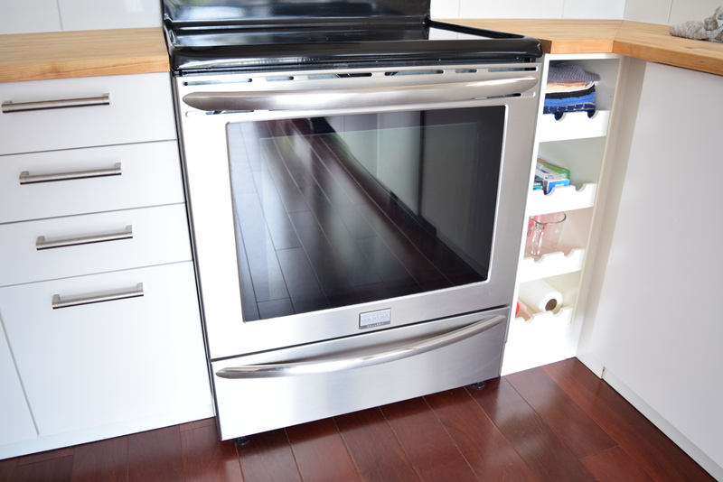 Frigidaire Gallery Electric Range Front