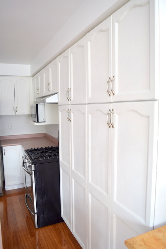 kitchen-cabinets-painted-white