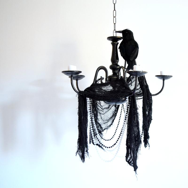 diy-gothic-halloween-chandelier
