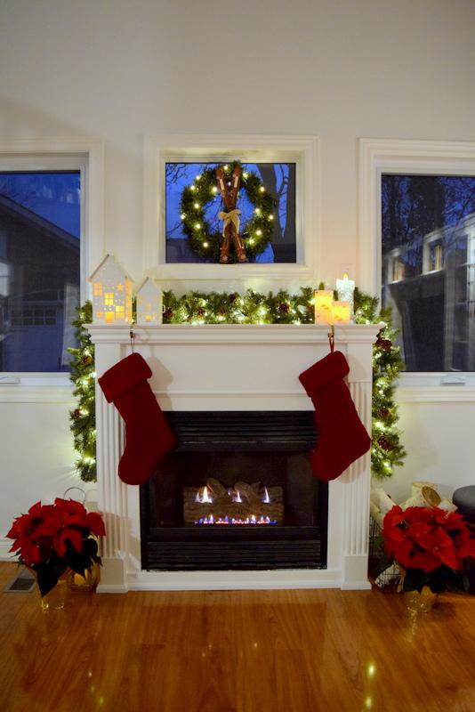 christmas-mantel-lights-2