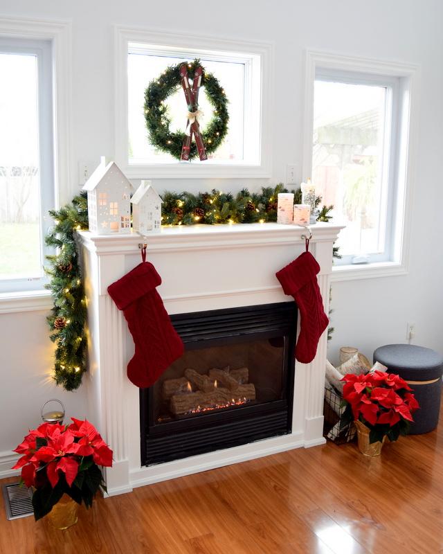 christmas-mantel-simple-northstory-2