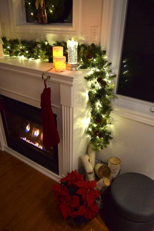 fireplace-mantel-holiday-lights-1
