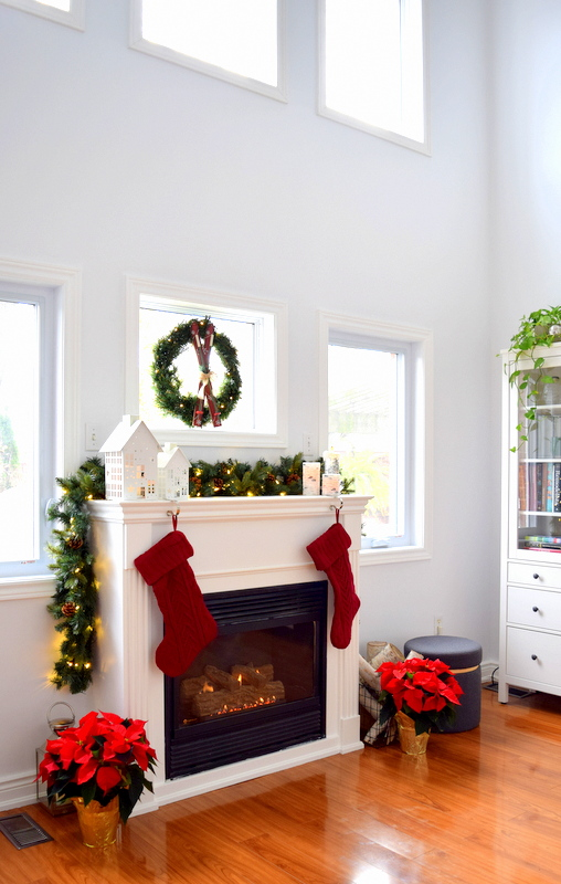 fireplace-mantel-for-the-holidays-from-lowes