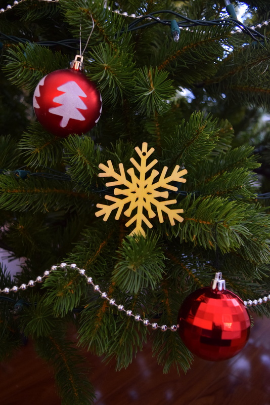 scented-wood-ornament-on-tree