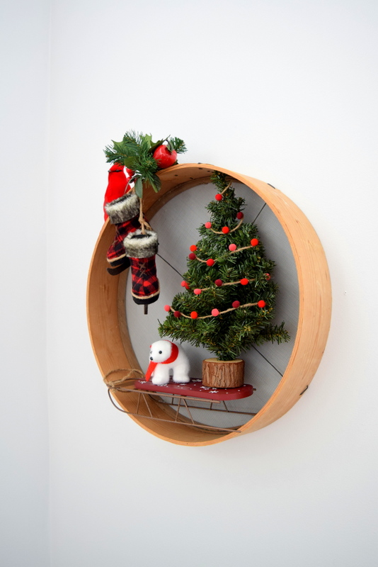 upcycled-sieve-turned-christmas-wreath