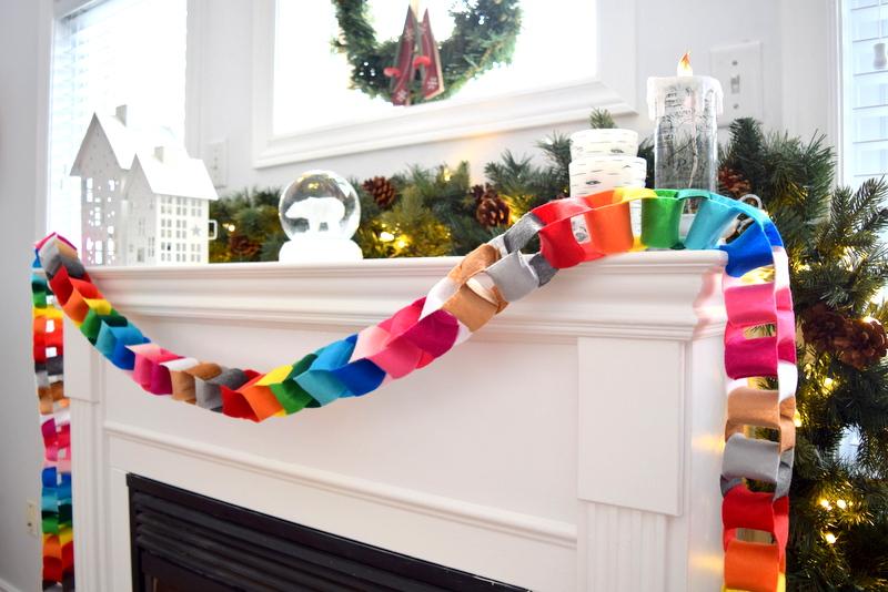 make-a-fun-bright-christmas-garland-from-felt