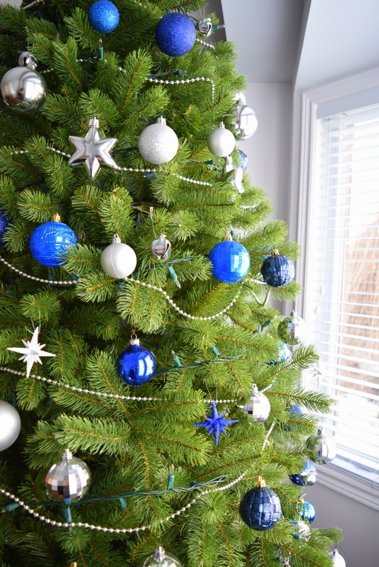 navy-and-blue-christmas-tree